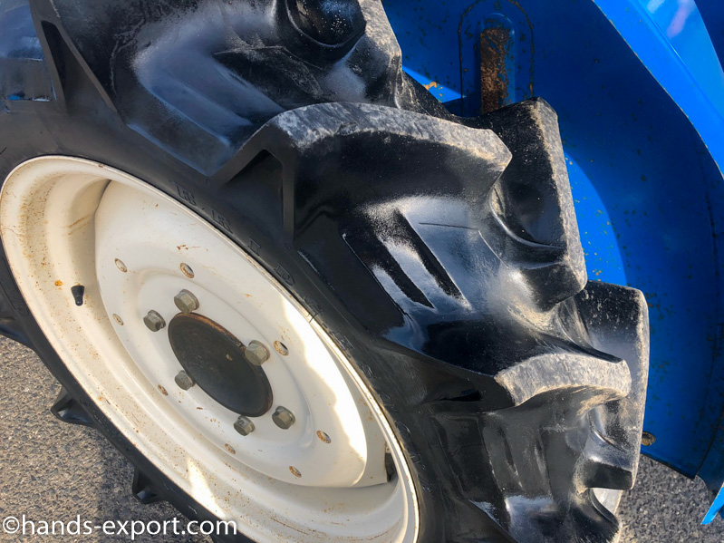 ISEKI Tractor TU1700S 886hour side tire